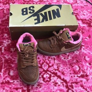 Nike Dunk Low Premium SB Gibson